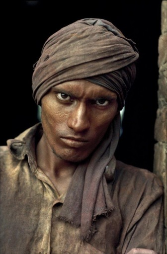 Worldwide-Portraits-by-Steeve-McCurry-kontraPLAN-magazine-7
